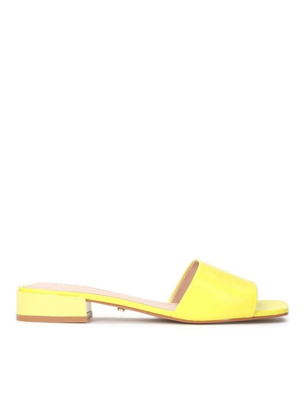 Żółte skórzane klapki damskie MARI